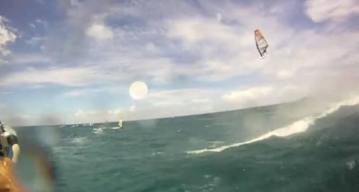Моментально в море: самый летающий серфер