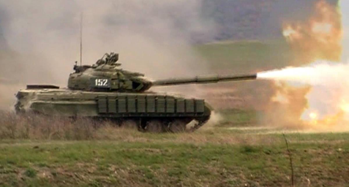 Украинские танки давят Крым