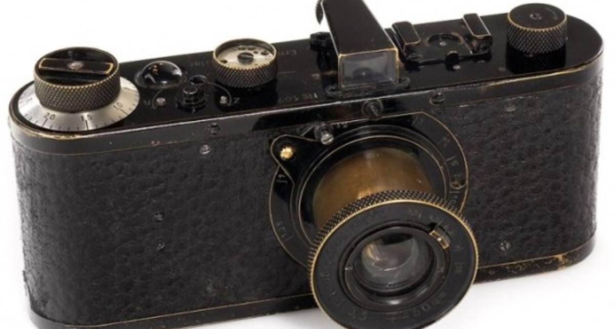 Древняя фотокамера ушла за миллион