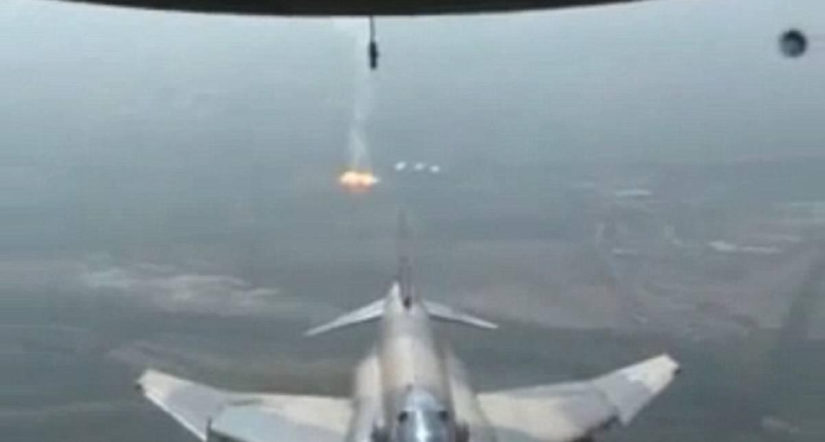 Жестокий таран: F-5 сбивает Ил-76