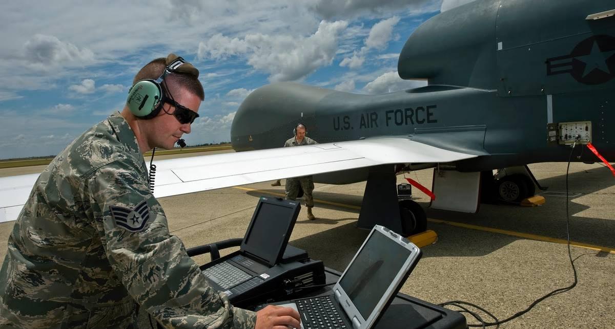 Global Hawk: шпион из США стал круче