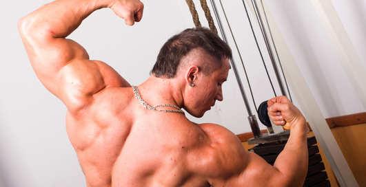 Широтой мужскую спину не испортишь
