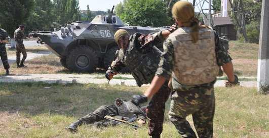 День ВДВ в Керчи: жесткий махач за Батю