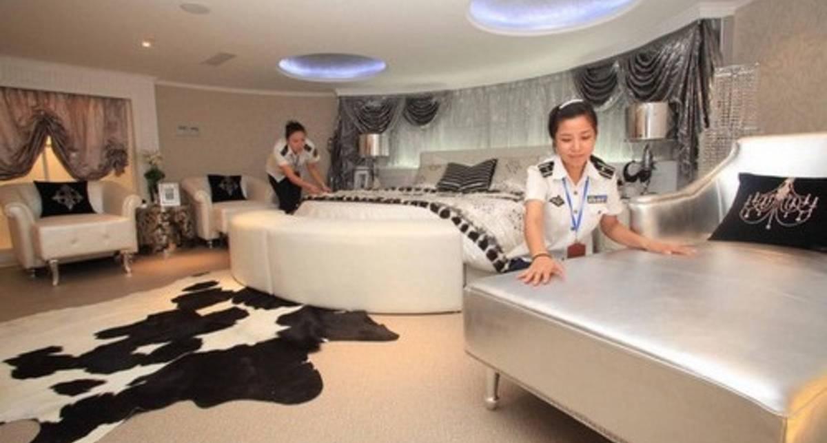 Отель-авианосец: Киев глазами Китая