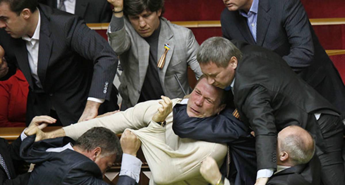 Наши бьют: депутаты Рады - лучшие бойцы