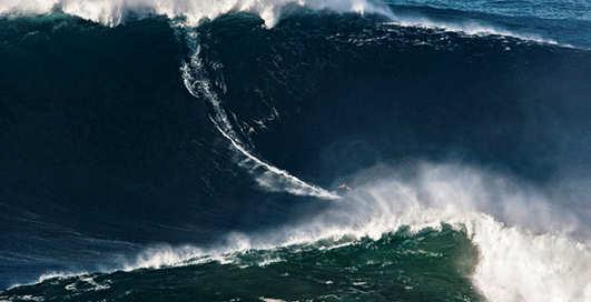Мировой рекорд: на гребне волны-великана