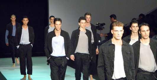 Одеться от Armani: что будет модно весной?