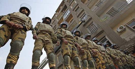 Партизанская мода: чем воюют египтяне