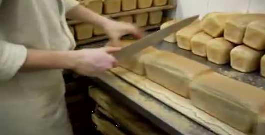 По-мужски: как правильно резать хлеб