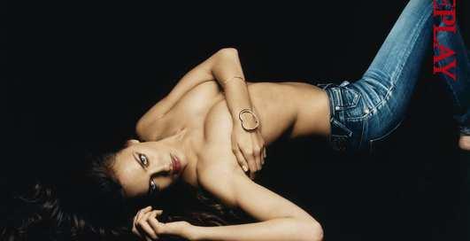 Невеста Роналду: реклама в одних джинсах