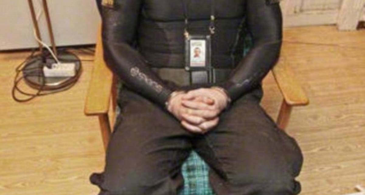 Андерс Брейвик: первые фото из полиции