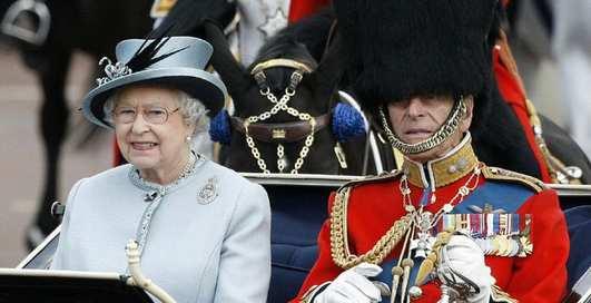 Как забраться в постель королевы Англии