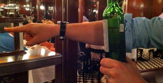 Как вернуть плохое вино обратно в ресторан