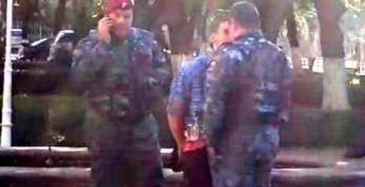 Беркутов в Одессе избил обычный парень