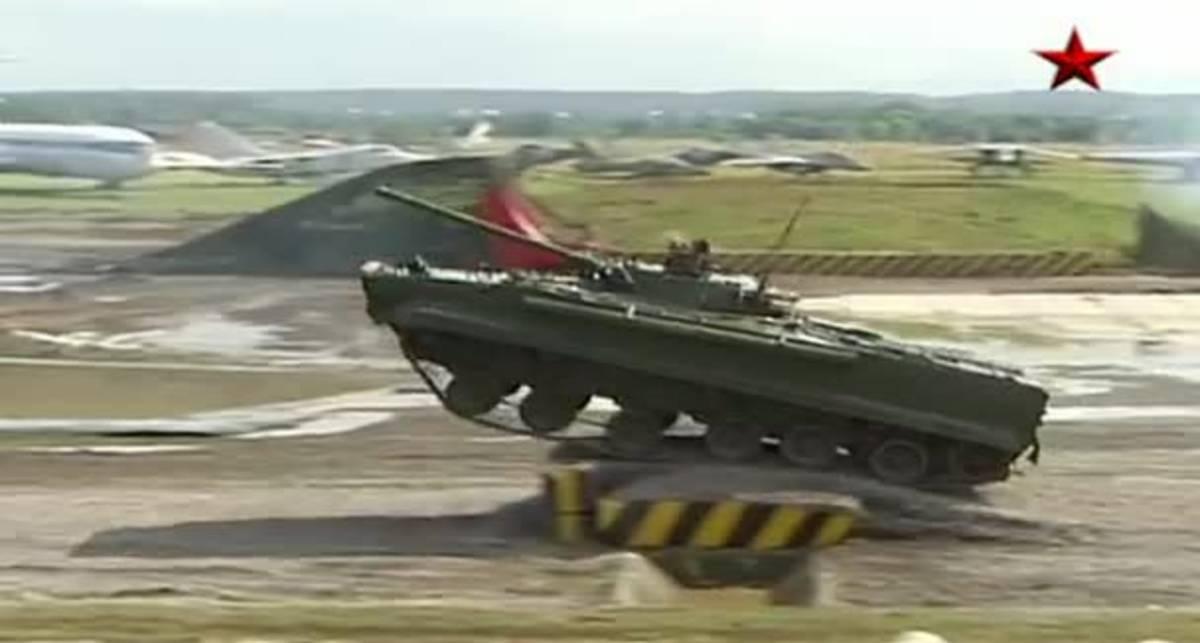 В России показали уникальный танковый балет