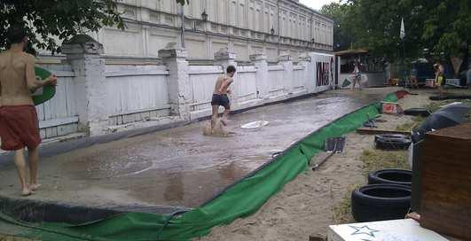 В киевской Лавре устроят мини-серфинг