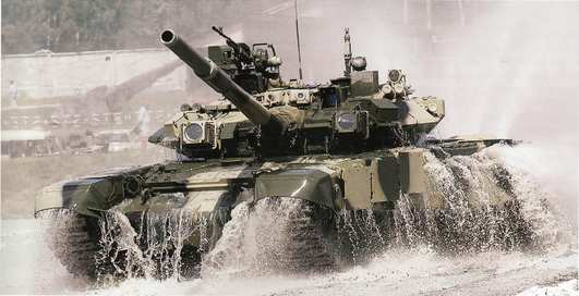 Танк Т-90 взял пятиметровую глубину