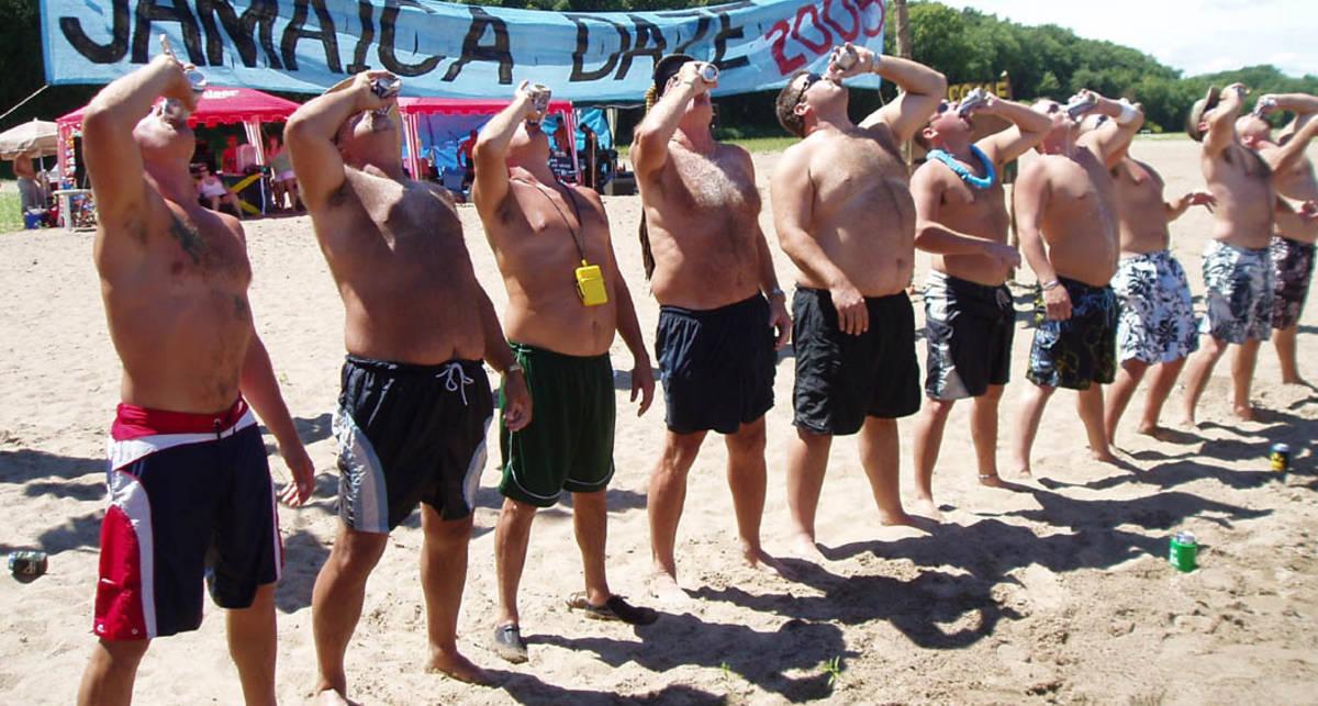 Правильная кружка: как пить пиво быстрее всех