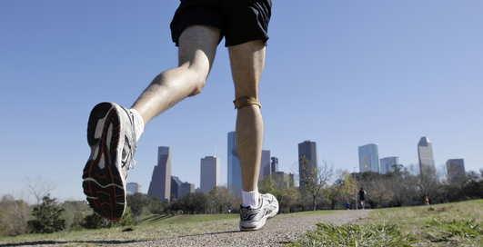 Ученые: гулять пешком - бесполезно для здоровья