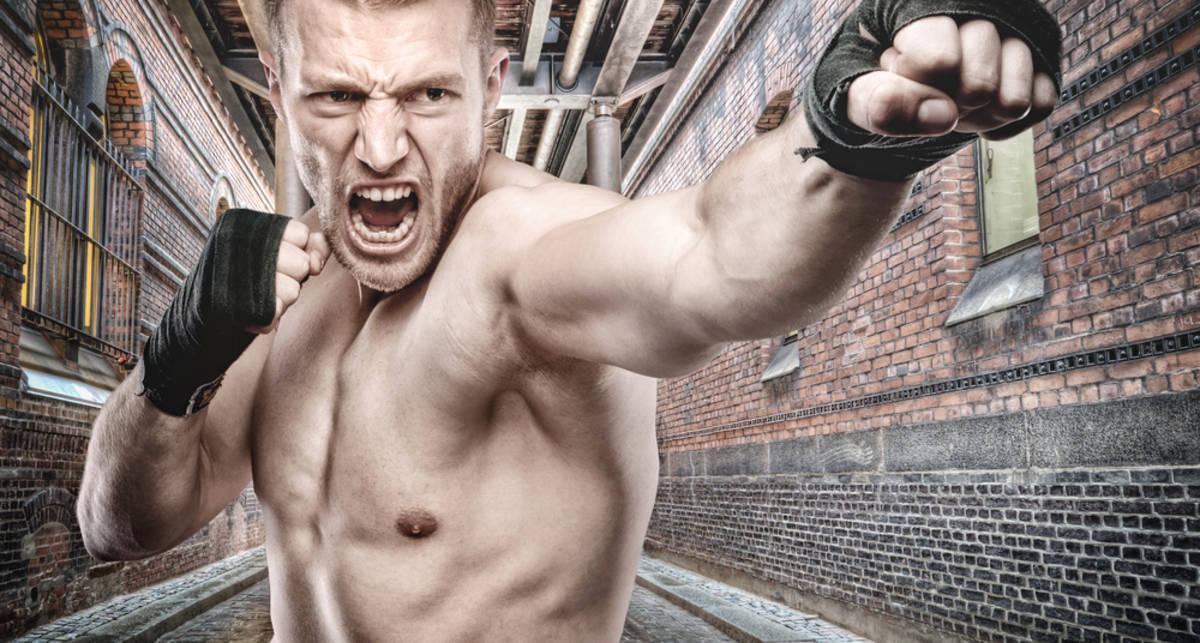 Как отбиться от толпы: секреты самозащиты