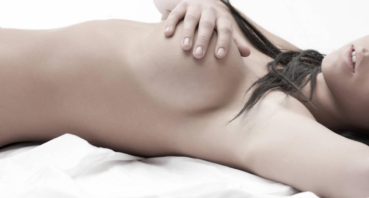Силиконовая грудь женщины остановила пулю