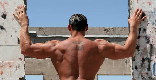 Совет дня от Чемпиона: добавь спину трапецией