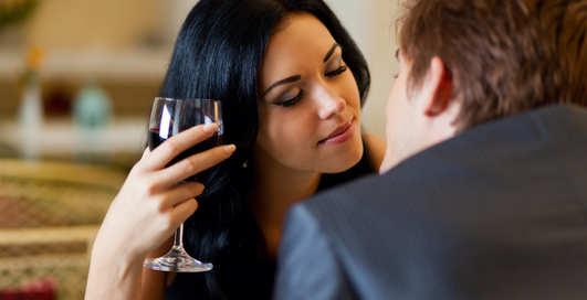 Названо вино, которое испортит зубы