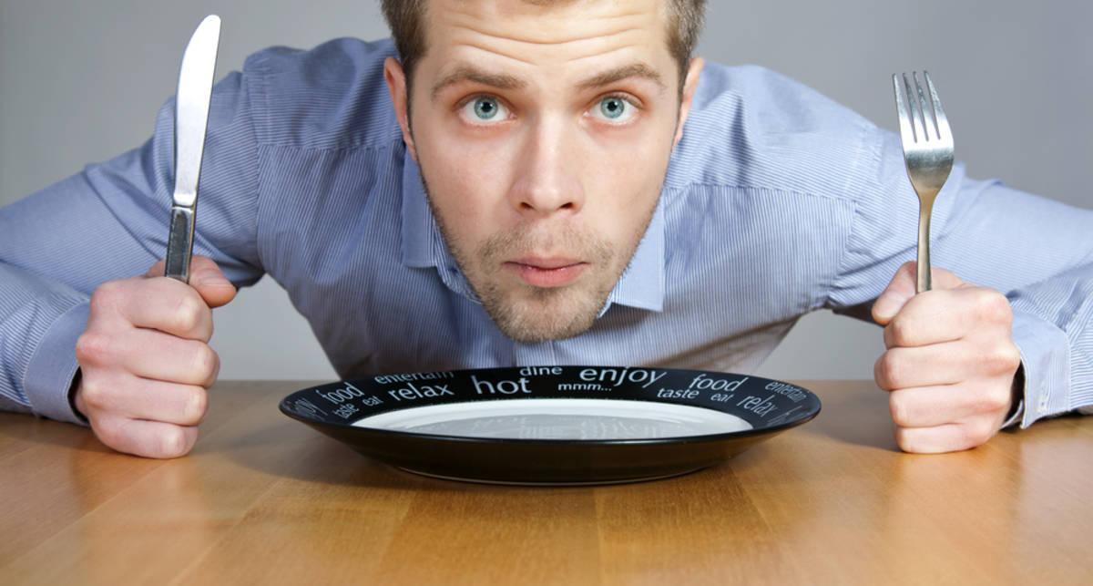 Не ешь из пластика: посуда бьет по почкам