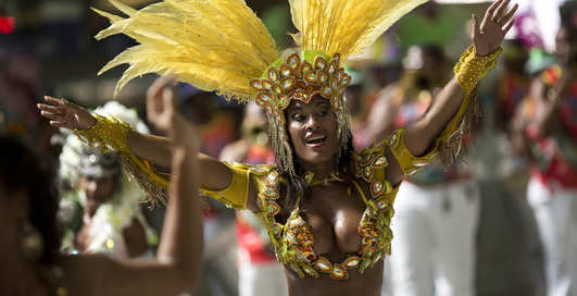 Карнавал в Рио: начало веселого безобразия