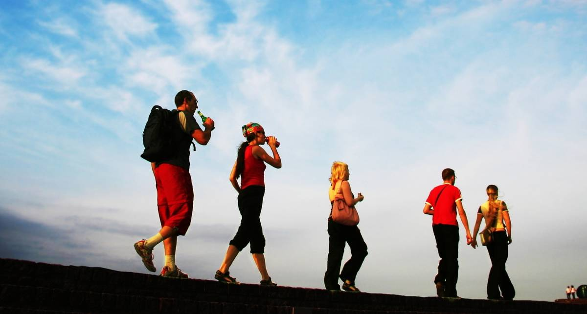 Почему обычная прогулка лучше тренажеров