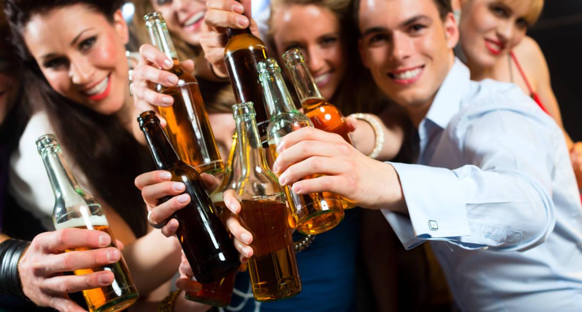 Как пить, не пьянея: забудь про газировку