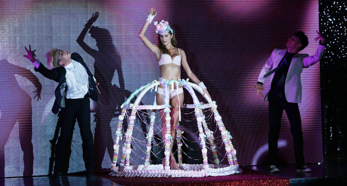 Неделя моды в Милане: невесты в бикини