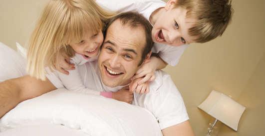 Когда стать отцом: названо лучшее время