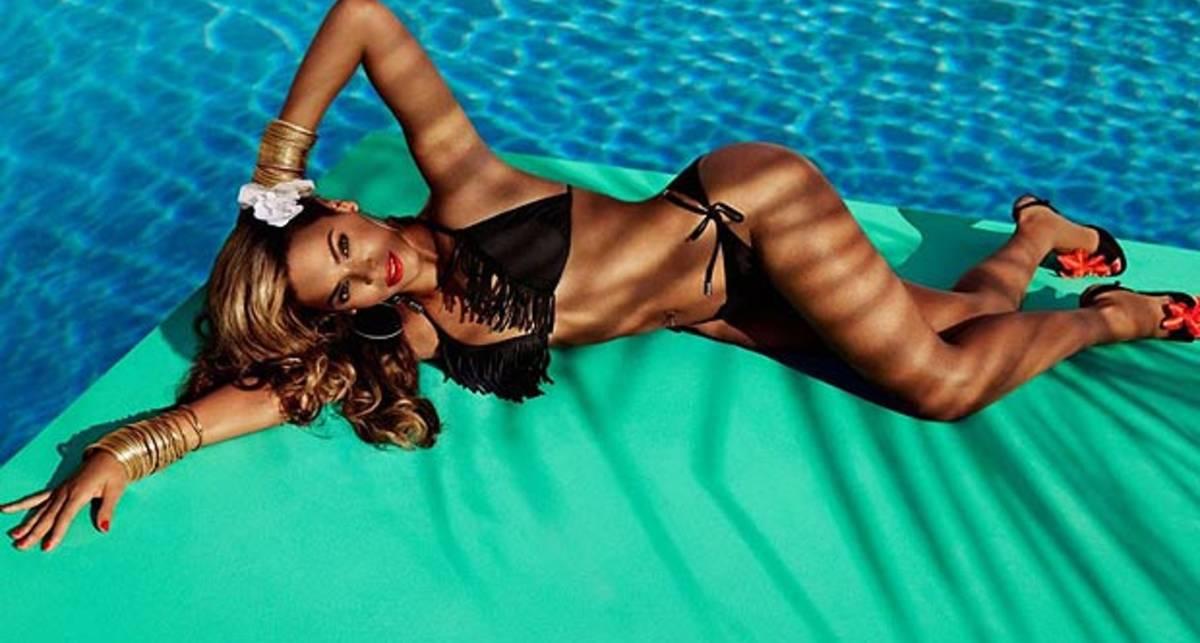 Бейонсе: бикини на фоне тропиков