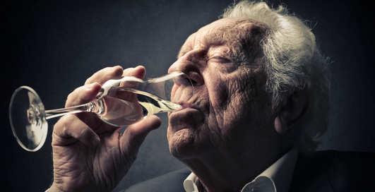 Всем шампанского: игристое спасает память