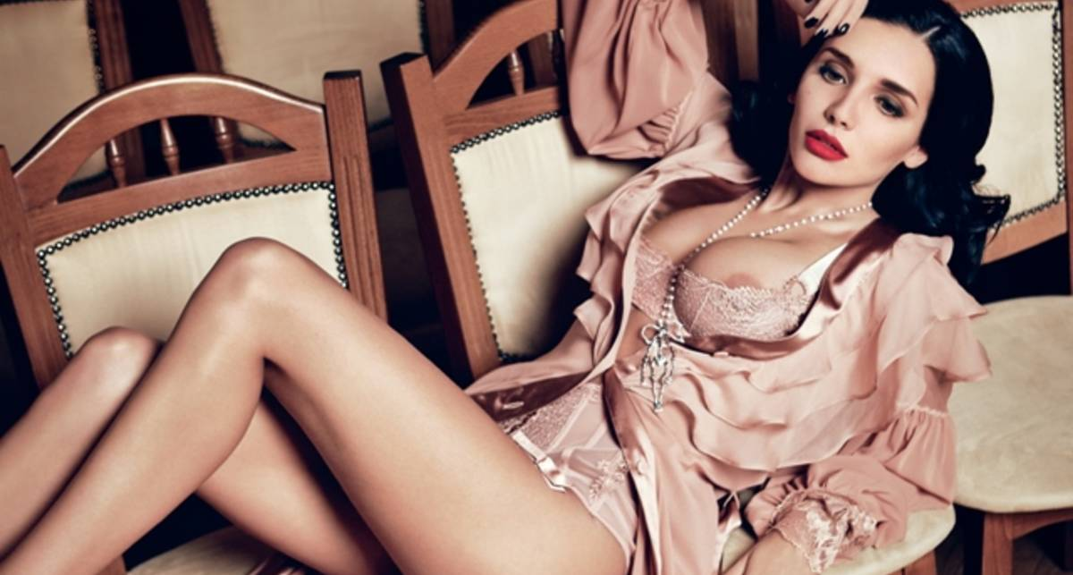 Замужняя красавица из Украины обнажилась для журнала