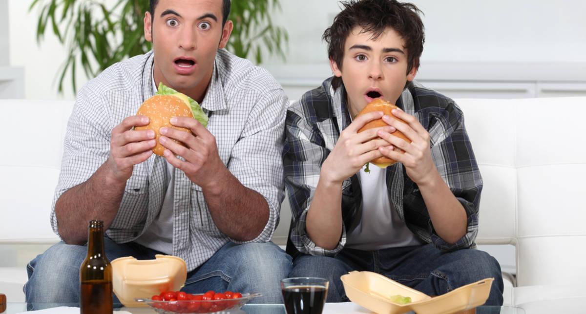 От каких фильмов мужчины набирают вес