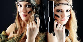 Соблазн армии: самые красивые солдатки 2013