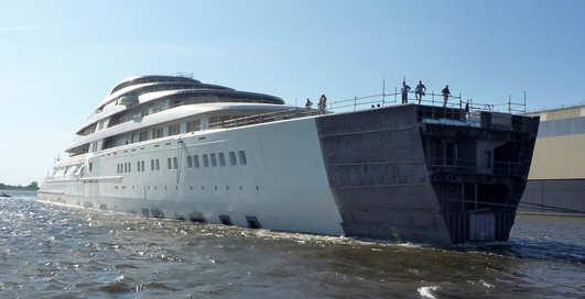 Azzam на воде: самая большая яхта в мире