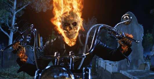 День мотоциклиста: ТОП-10 крутых гонщиков из кино