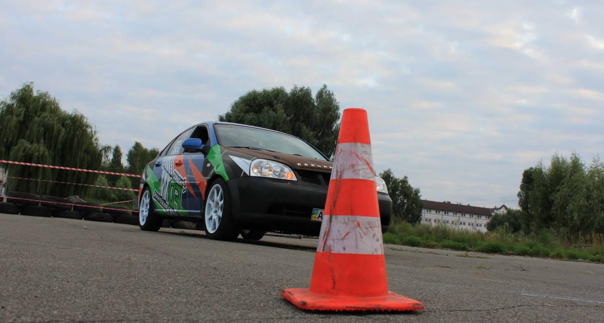 Урок вождения 2: учимся крутить руль