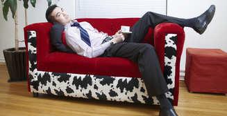 Не отходя от кассы: как опохмелиться прямо на работе