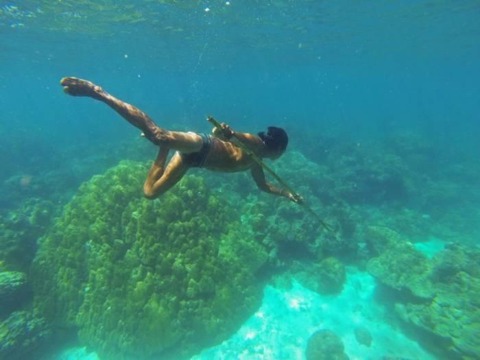 Представители народности мокен с детства способны видеть четко под водой