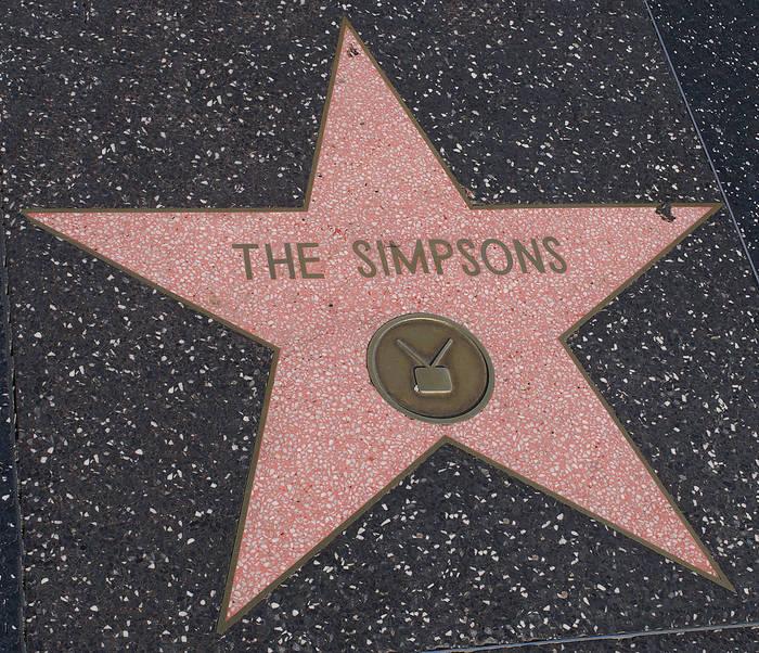 Звезда Симпcонов на Аллее славы в Голливуде