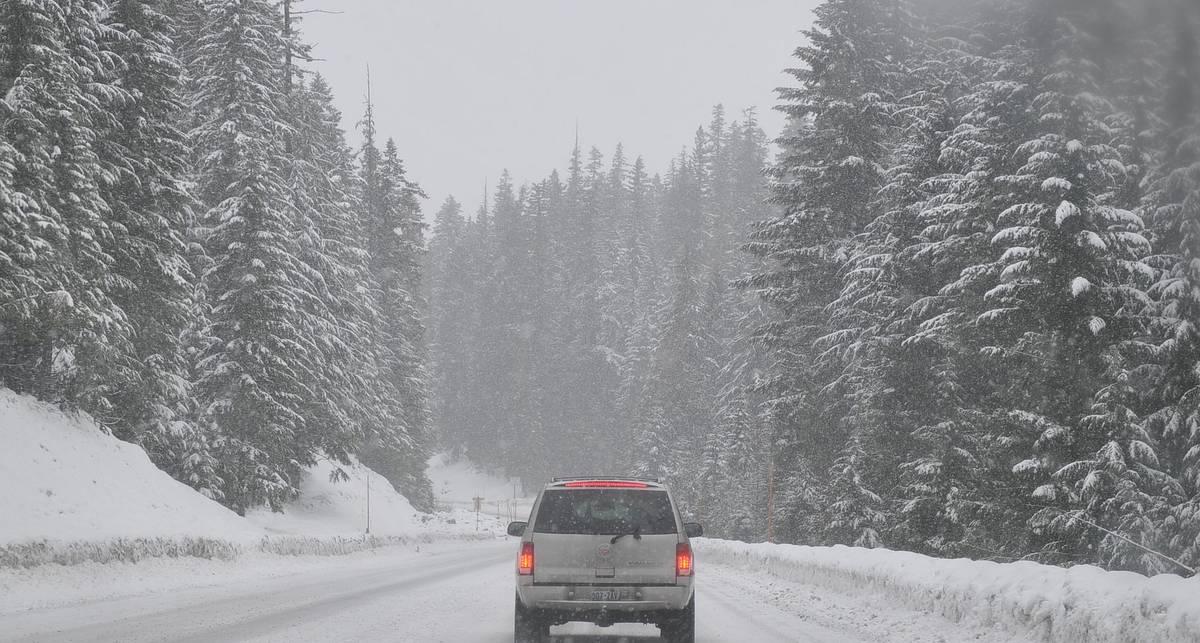 Как правильно завести машину в мороз?