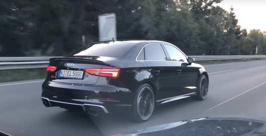 """""""Глотай мою пыль"""": новый седан Audi уделал """"ламбу"""""""