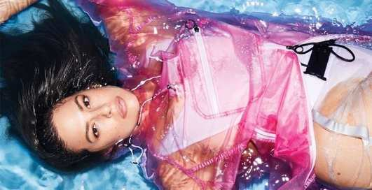 Сексапильная Эшли Грэм снялась в пикантной фотосессии для Elle