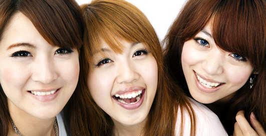 """""""Как развести пьяную студентку"""": В Японии скандал из-за статьи в журнале"""