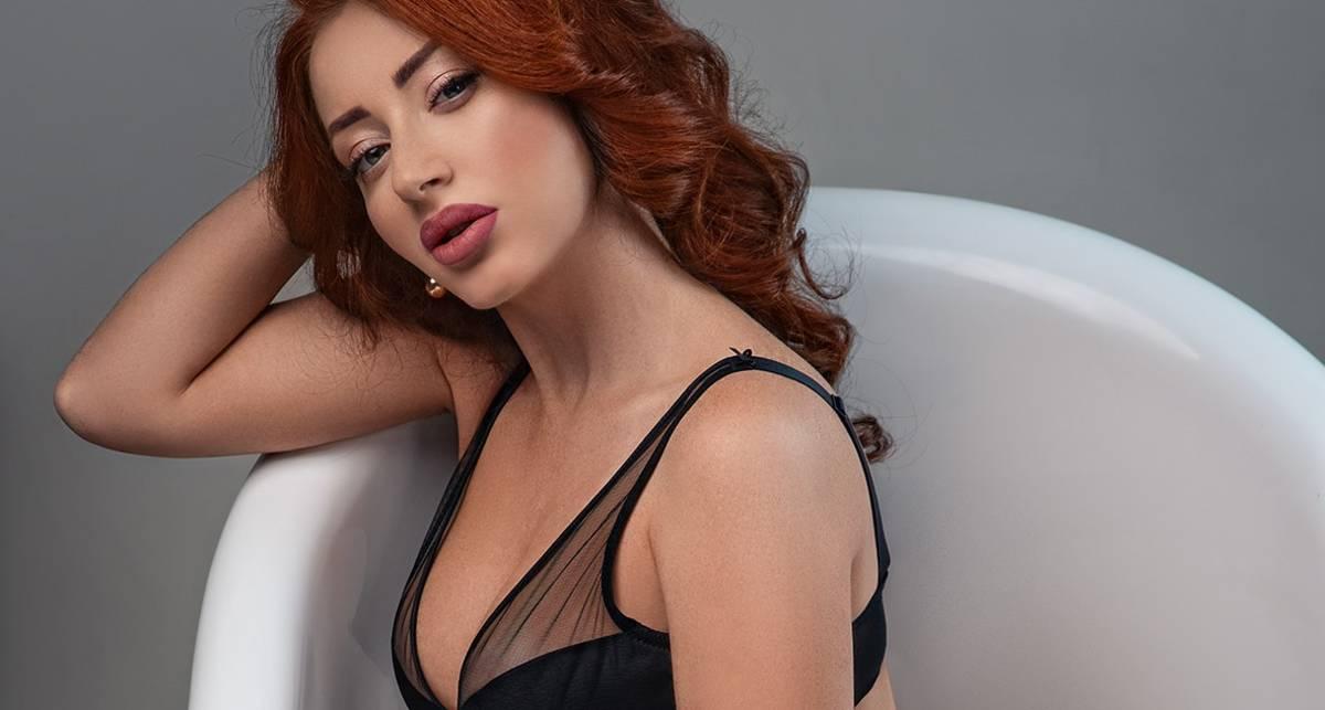 Латекс и ванна: эротический календарь XXL с самыми сексуальными девушками Украины