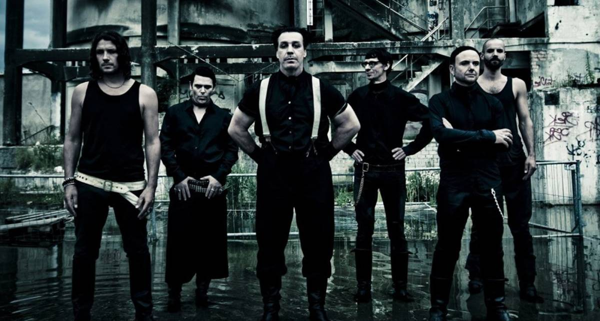 Мужской металл: Rammstein презентует новый альбом и пять клипов (один с монашками)